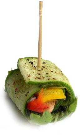 Tikvica kolutići sa kale pesto - Kuhinja Antioksidans. Evo ražnjića u vegan varijanti. Malo povrća umotano u list tikvice sa biljem i začinima,